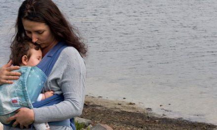 Five ways baby wearing can help alleviate symptoms of postpartum depression